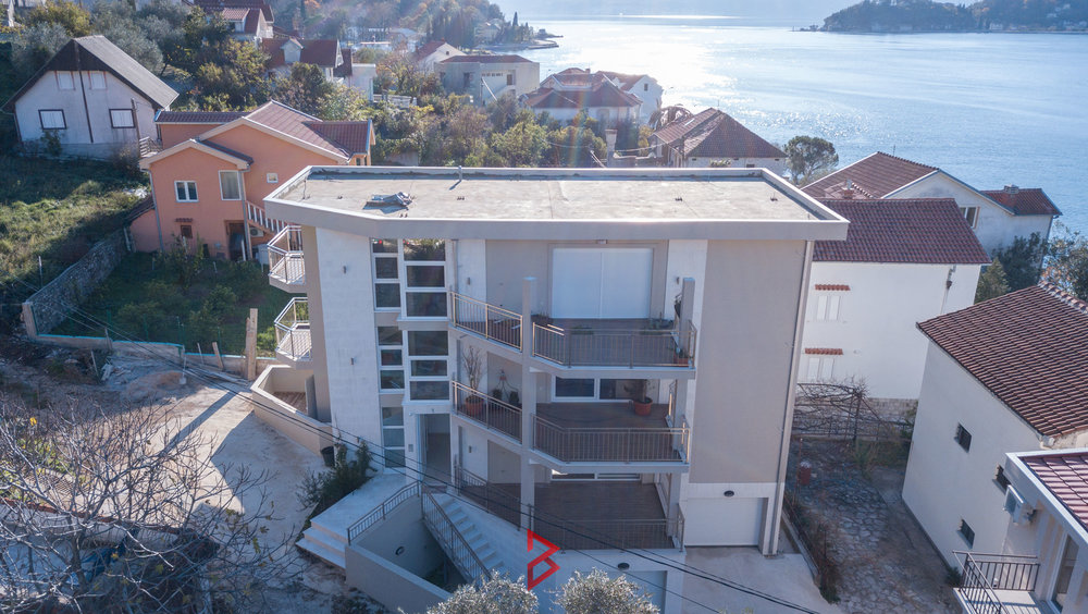 Three bedroom apartment in Tivat