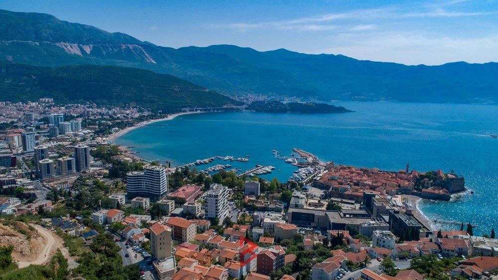 luxury-villa-for-rent-budva-montenegro (15).jpg