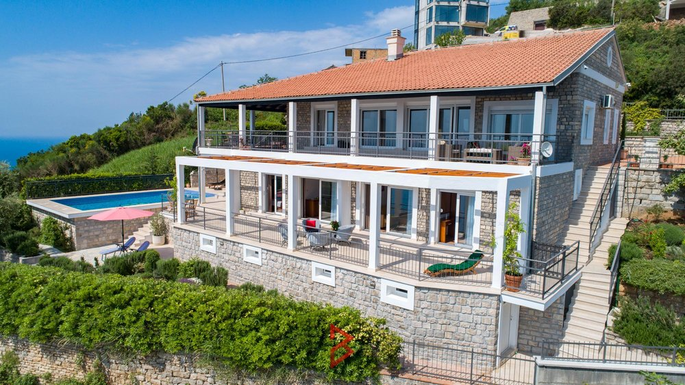 luxury-villa-for-rent-budva-montenegro (25).jpg