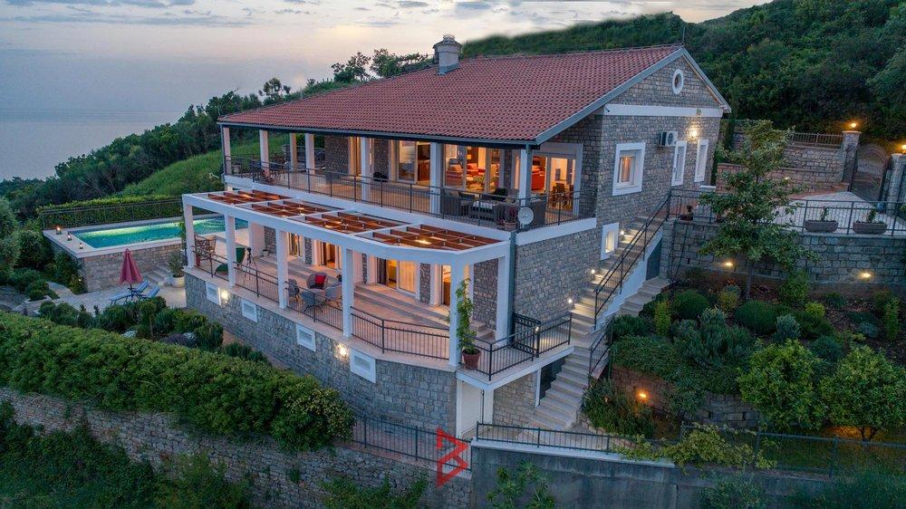 luxury-villa-for-rent-budva-montenegro (29).jpg