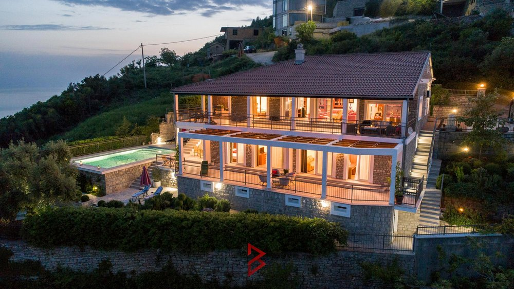 luxury-villa-for-rent-budva-montenegro (30).jpg