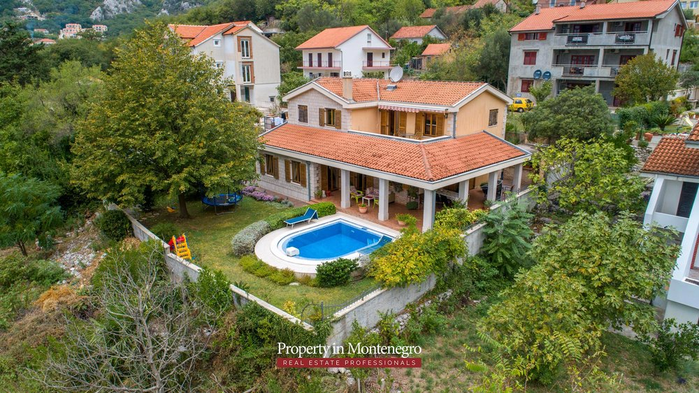 luxury-house-for-sale-in-Bay-of-Kotor (1).jpg