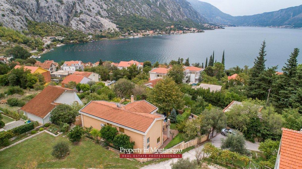 luxury-house-for-sale-in-Bay-of-Kotor (13).jpg