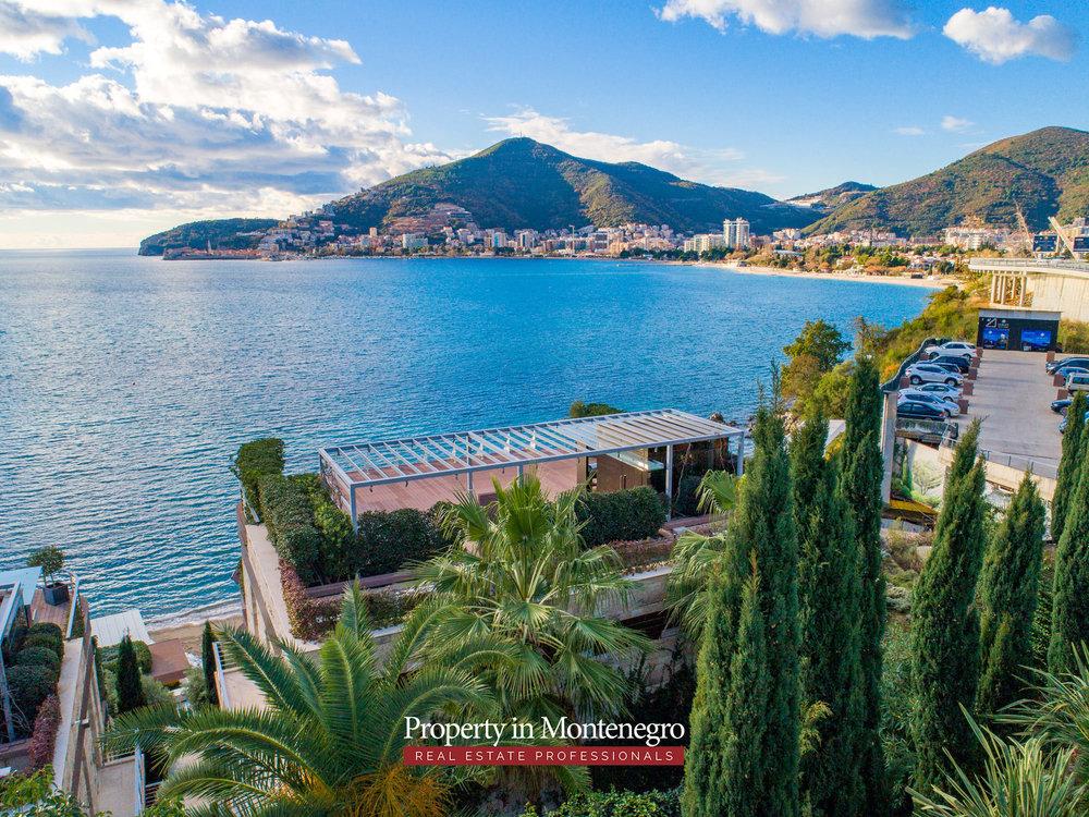 first-line-luxury-penthouse-for-sale-in-Budva-Montenegro-(9).jpg