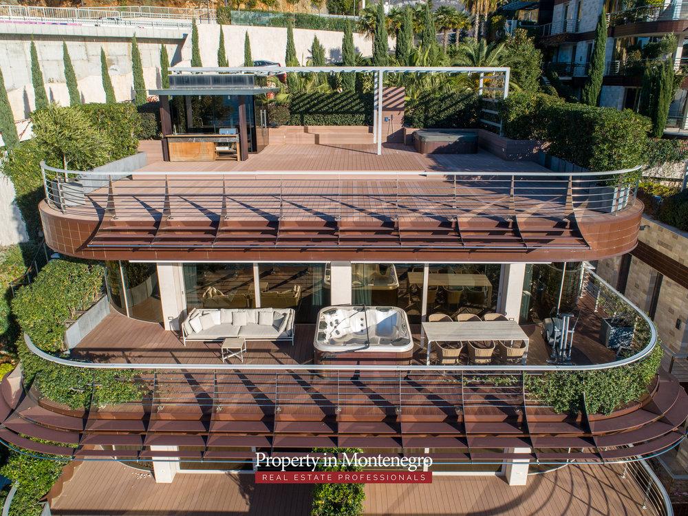 first-line-luxury-penthouse-for-sale-in-Budva-Montenegro-(15).jpg