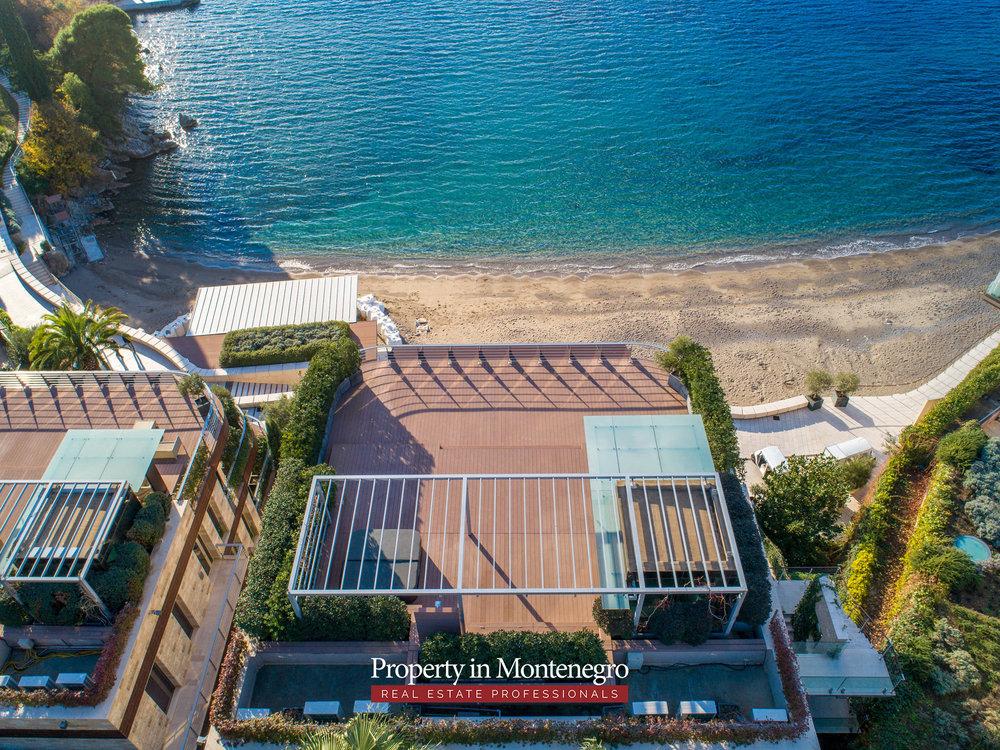 first-line-luxury-penthouse-for-sale-in-Budva-Montenegro-(17).jpg