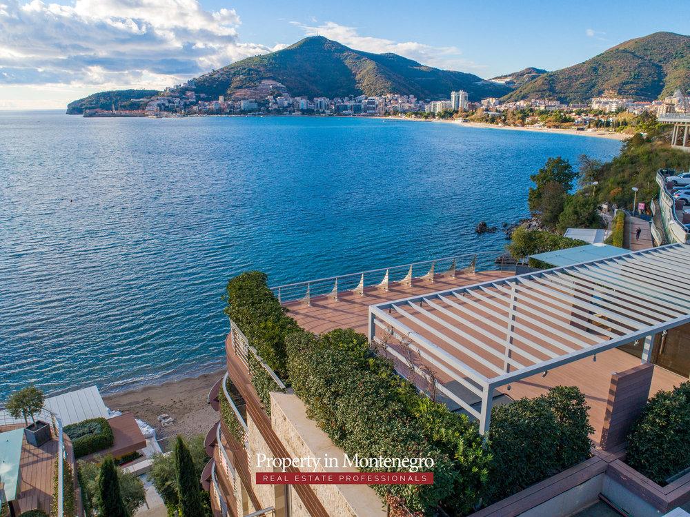 first-line-luxury-penthouse-for-sale-in-Budva-Montenegro-(18).jpg