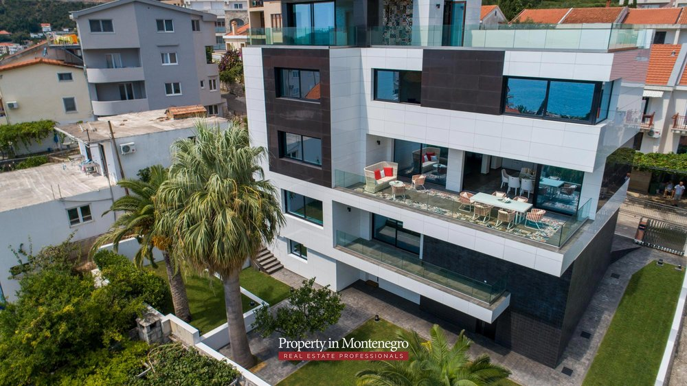 Luxury-villa-for-sale-in-Budva (3).jpg