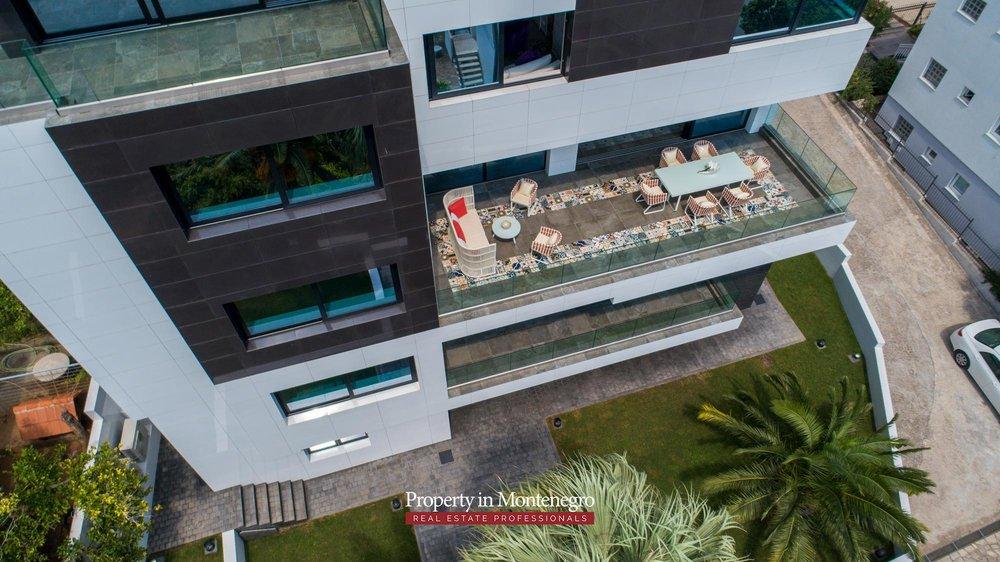 Luxury-villa-for-sale-in-Budva (17).jpg