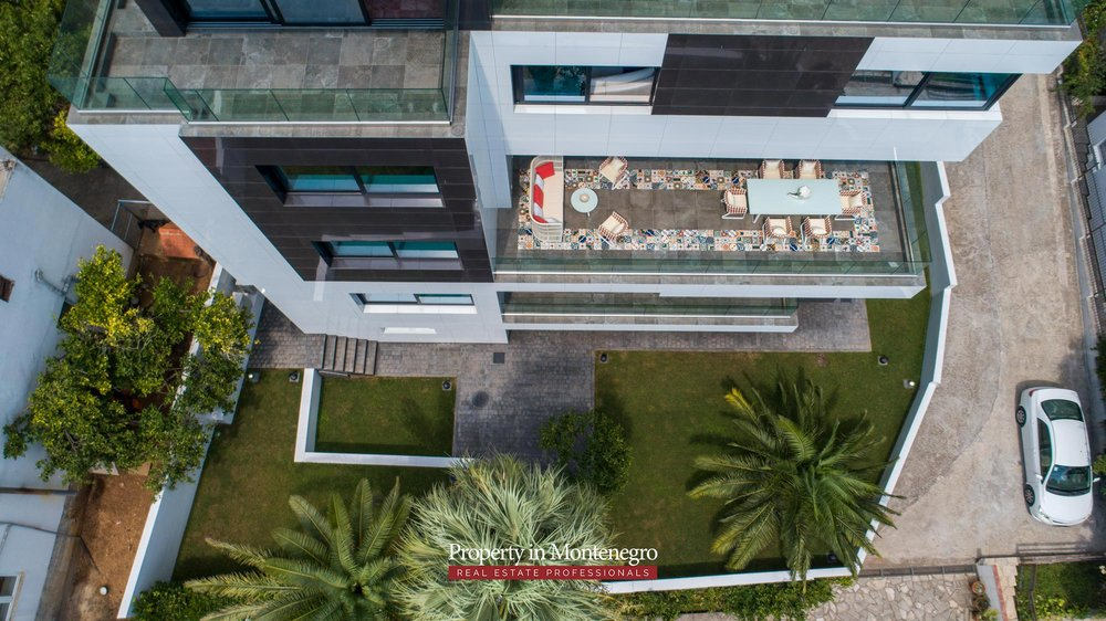 Luxury-villa-for-sale-in-Budva (18).jpg