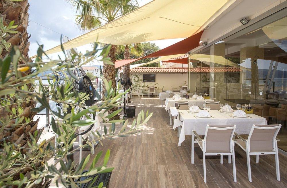 hotel-for-sale-herceg-novi-bijela1.jpg