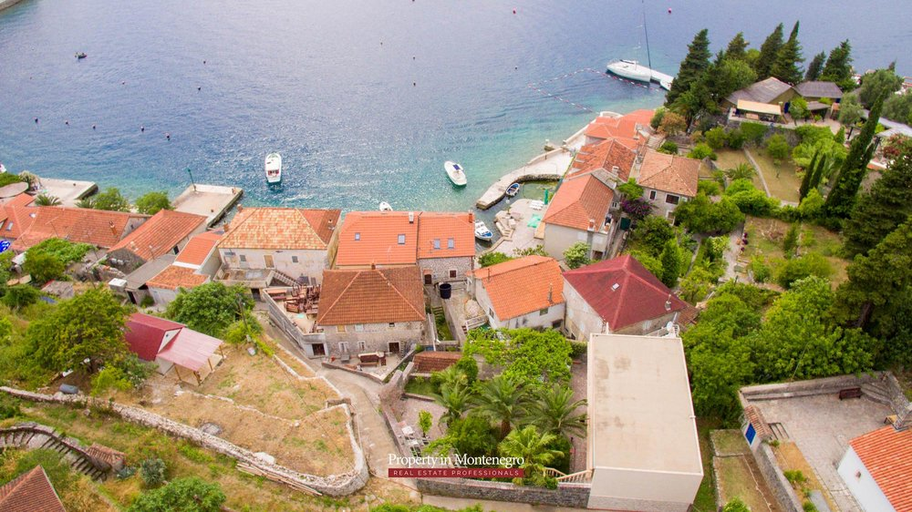 cottage-for-sale-next-to-the-sea-property-in-montenegro (8).jpg