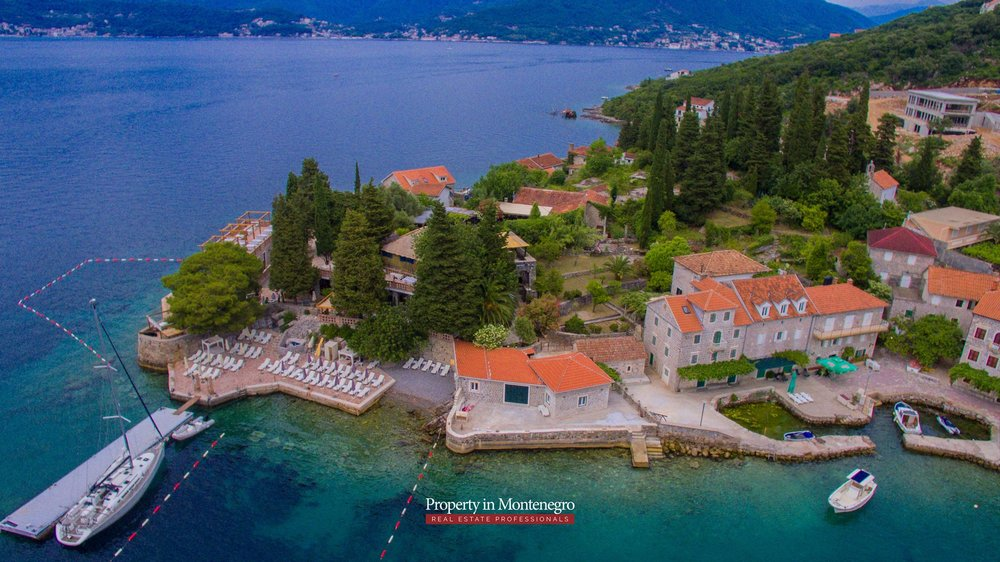 cottage-for-sale-next-to-the-sea-property-in-montenegro (9).jpg