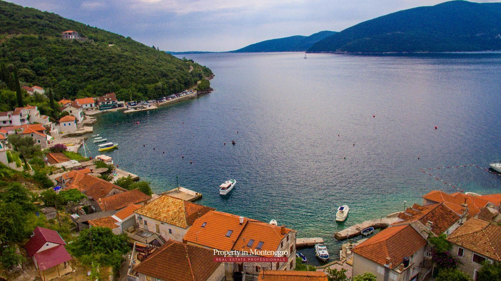 cottage-for-sale-next-to-the-sea-property-in-montenegro (10).jpg