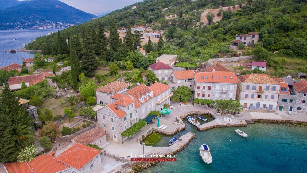 cottage-for-sale-next-to-the-sea-property-in-montenegro (11).jpg