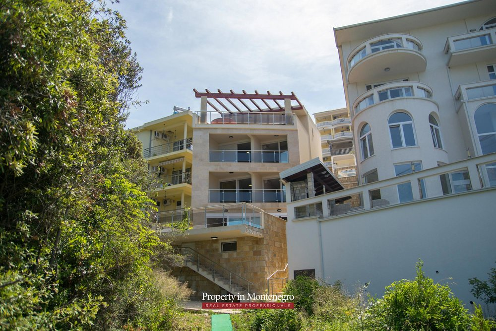 Seafront-villa-for-sale-in-Utjeha-Bar-property-in-Montenegro (1).jpg