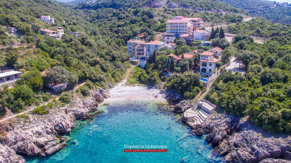 Seafront-villa-for-sale-in-Utjeha-Bar-property-in-Montenegro (2).jpg