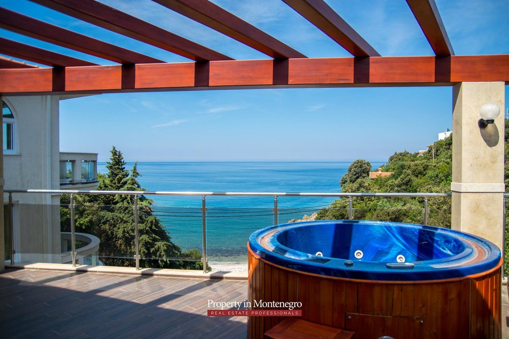 Seafront-villa-for-sale-in-Utjeha-Bar-property-in-Montenegro (3).jpg