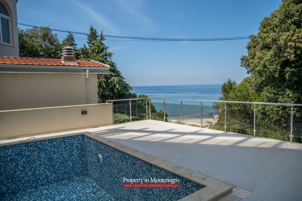 Seafront-villa-for-sale-in-Utjeha-Bar-property-in-Montenegro (4).jpg