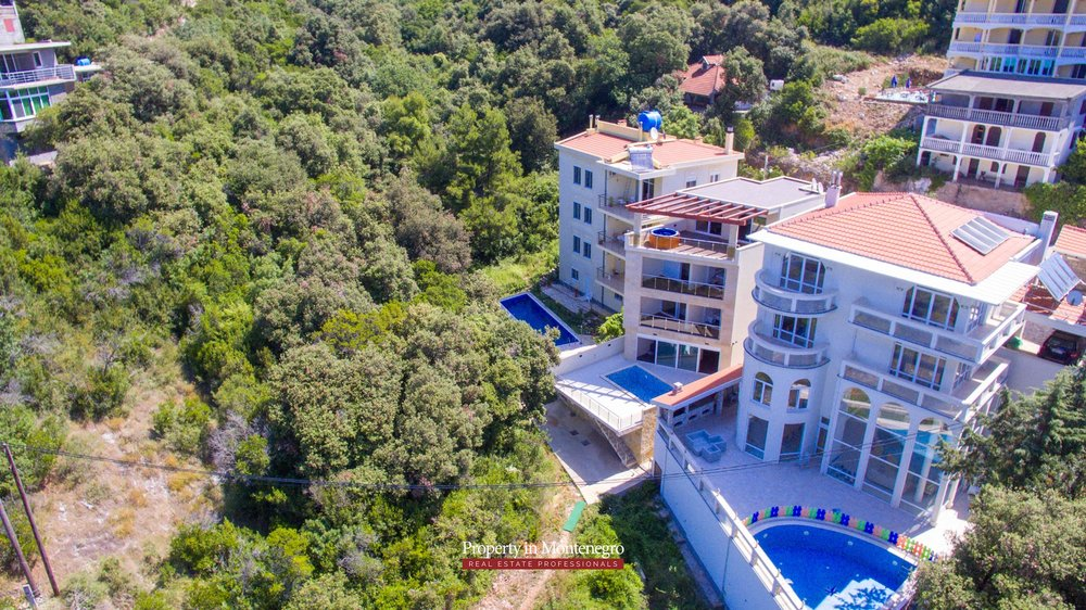Seafront-villa-for-sale-in-Utjeha-Bar-property-in-Montenegro (7).jpg