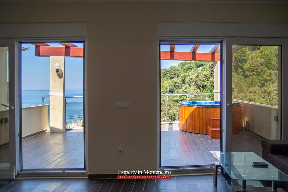 Seafront-villa-for-sale-in-Utjeha-Bar-property-in-Montenegro (9).jpg