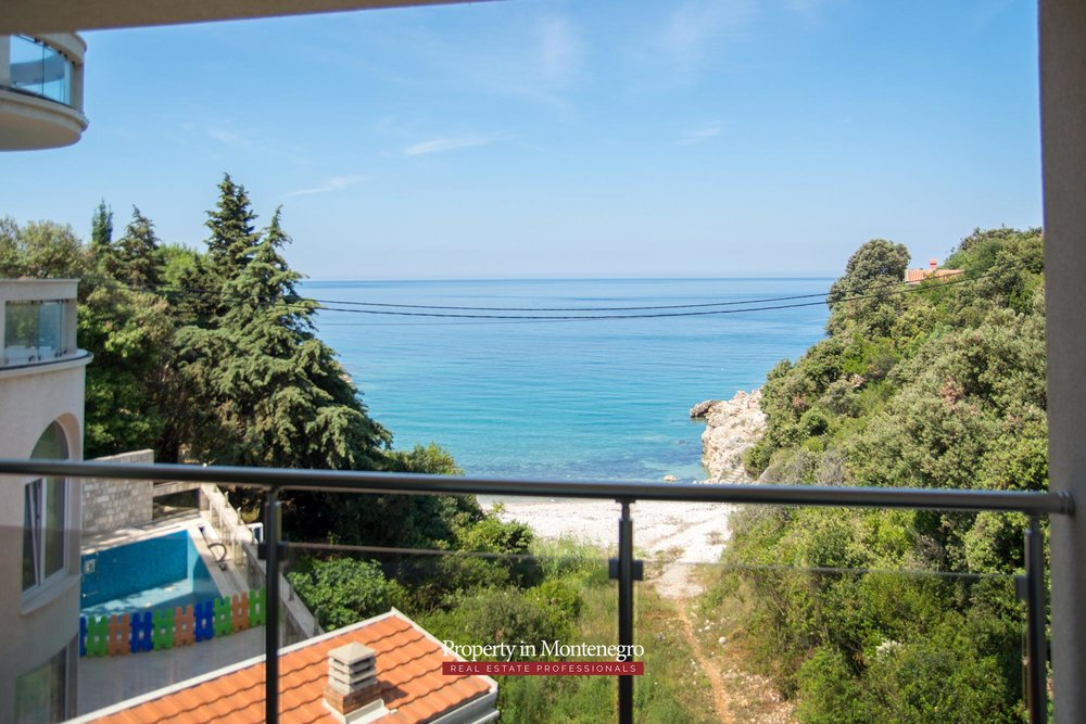 Seafront-villa-for-sale-in-Utjeha-Bar-property-in-Montenegro (25).jpg