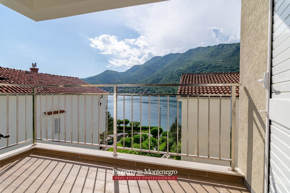 two-bedroom-apartment-for-sale-in-Tivat (6).jpg