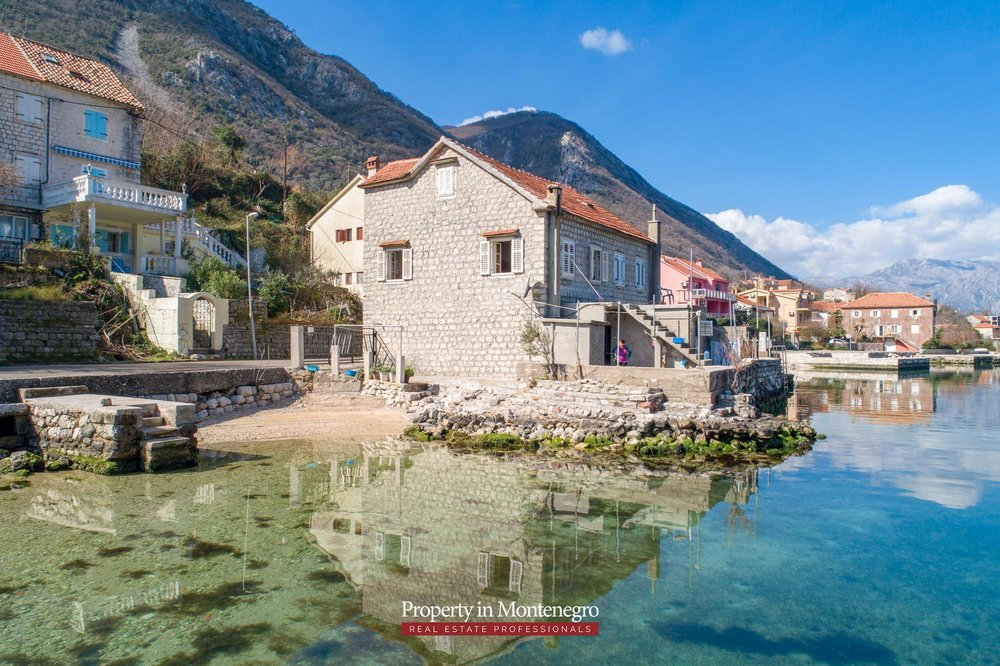 Waterfront-stone-house-for-sale-in-Kotor (13).jpg