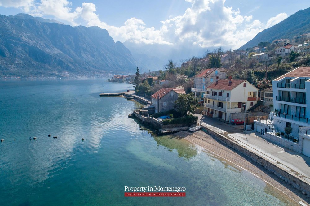 Waterfront-stone-house-for-sale-in-Kotor (18).jpg