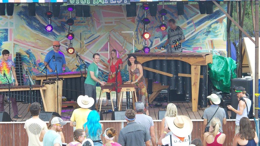 KUPIRA MARIMBA -    High-energy family-friendly dance music on gigantic African xylophones