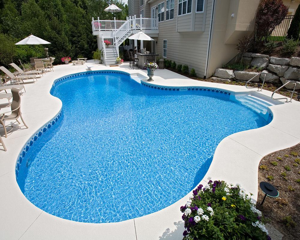 15 - Lagoon Pool