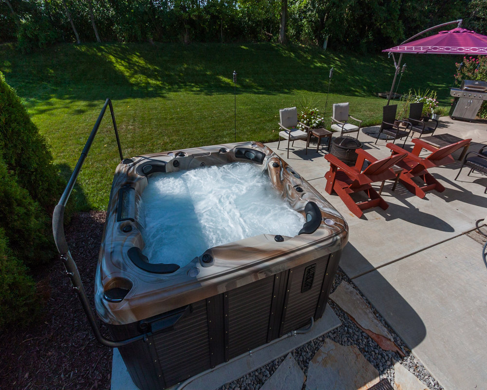 2016 - Bronze - Prefab Hot Tub