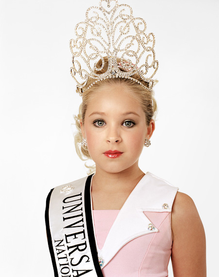 Zed Nelson, Katie, 9 años. Ganadora. Universal Royalty Texas State Pageant. Texas, USA