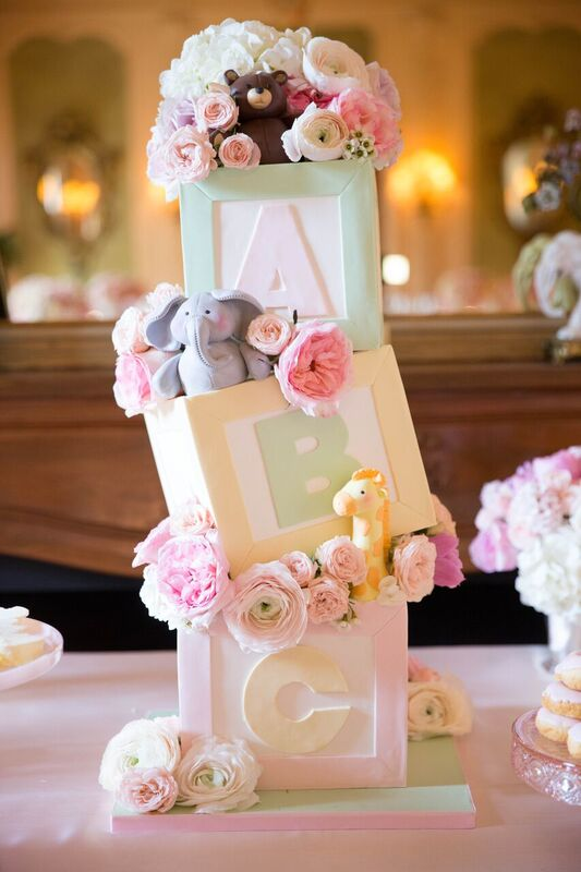 Gorgeous cake by  The Butter End