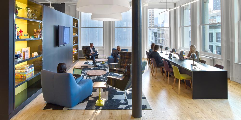 Como a Morningstar, a agência de marketing de cuidados de saúde, o BGB Group, projetou seu escritório SoHo com a idéia de usá-lo para colaborar com clientes. Agora, tem clientes que vêm regularmente para usar seus salões ou salas de conferências como um lugar para passar o dia.