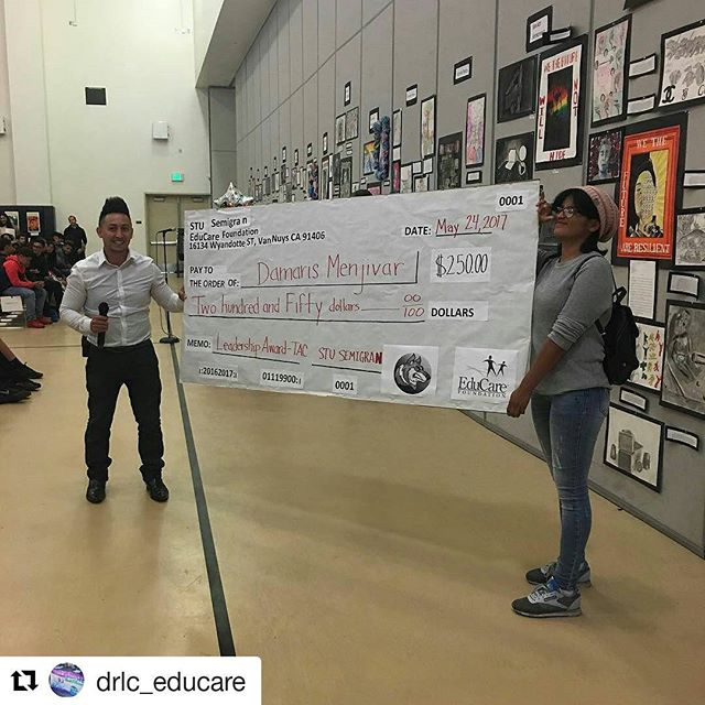 #Repost @drlc_educare (@get_repost) ・・・ Congratulations to Damaris Menjivar who was awarded the EduCare TAC Leadership Award!🥇 #afterschoolmatters #collegeboundhuskies #educare