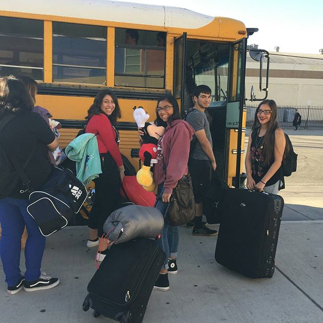 38 mentors from Social Justice Humanitad Academy are on their way to our College Leadership Retreat. Over the next three days, they will build their leadership skills, gain valuable support from college counselors, and work on their college applications. #summerofcaring #afterschoolmatters #Educarefoundation #Heartset