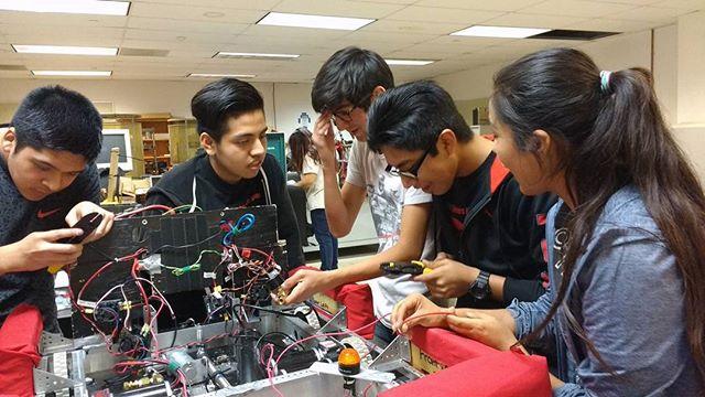 STEM learning blends together curiosity, problem-solving, and exploration. #STEM #Afterschoolmatters #educarefoundation