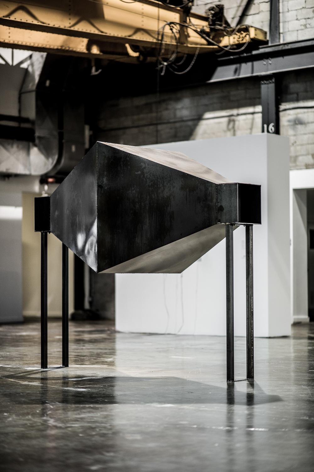 """Face à face , 2015.  [série Dialogues]   Installation en acier.  Installation in steel.   223.5 x 274.3 x 121.9 cm (88"""" x 108"""" x 48"""")    1/1"""