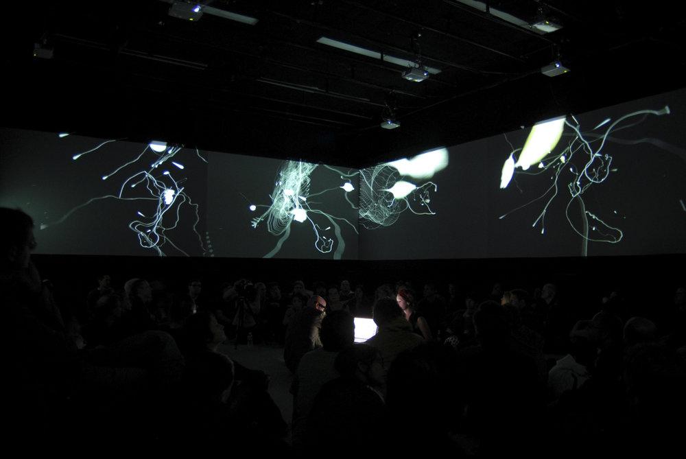 Askaa - Askaa | installation par Skoltz_Kolgen, 2005.Commande d'oeuvre Mutek + Musée d'art Contemporain de Montréal