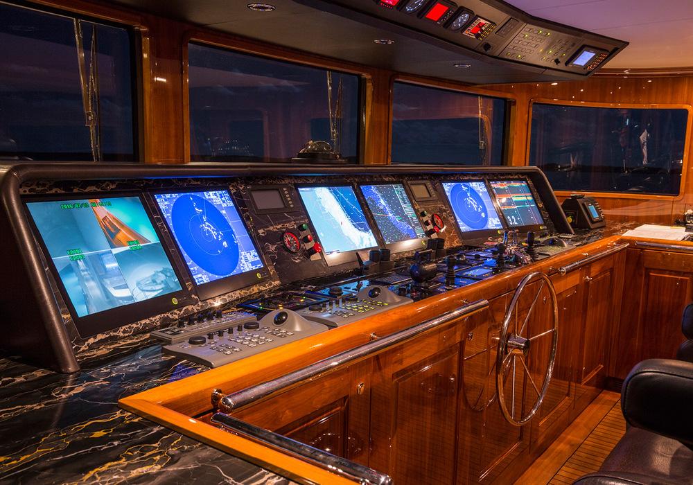 162'-Christensen-REMEMBERWHEN-Yacht-Photo-5.jpg