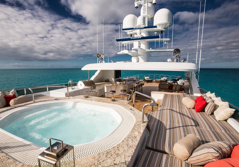 162'-Christensen-REMEMBERWHEN-Yacht-Photo-29.jpg