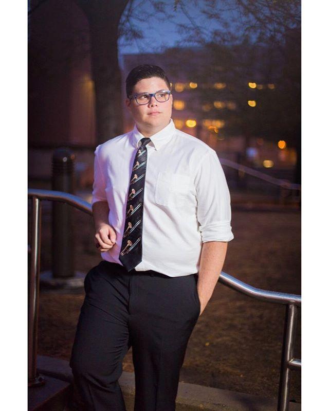 👨🏻🎓 Tyler W. 📷 Canon 6D // Canon 50mm f1.4 #seniorphotography