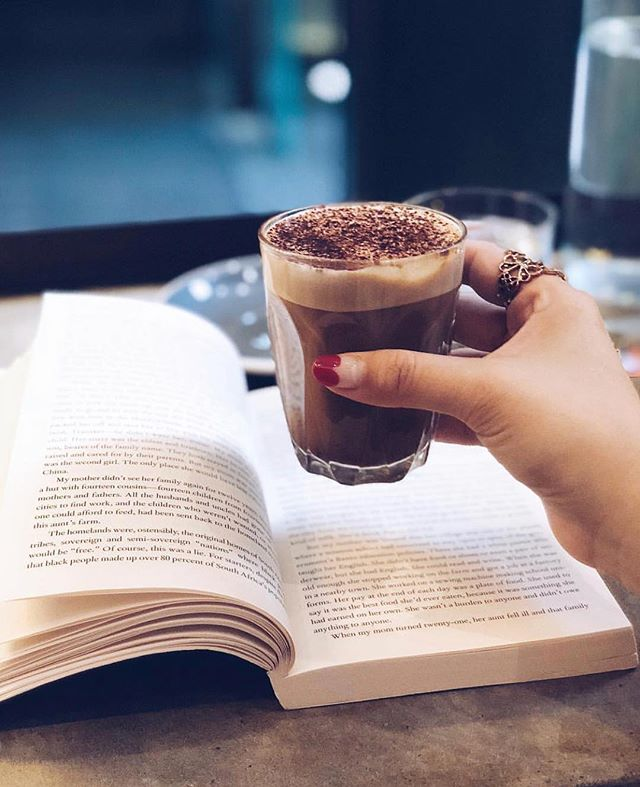 Friday pleasures. Here for all your TGIF pick me ups Rg: @thefatgirleatingdiary . . . #hillsbrossydney #sydneycafe #sydneyeats #sydneydrinks #sydneycoffee #sydney #martinplace #sydneycbd #tgif #friyay #hotchocolate #sweettooth