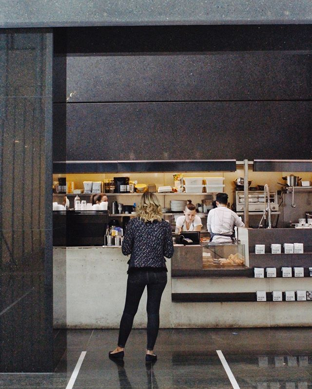 Beat the queue and pay $2 for all coffees when you order via @heyyou.app! From 10am-4pm. How's that for a Monday pick me up! . . . #hillsbrossydney #sydneycafe#sydneycoffee#sydneyeats #heyyou #heyyouapp#coffeespecial#special #promotion #sydneycbd#martinplace#pittsittmall #pittsit #wynyard#circularquay#specialtycoffee #reubenhills