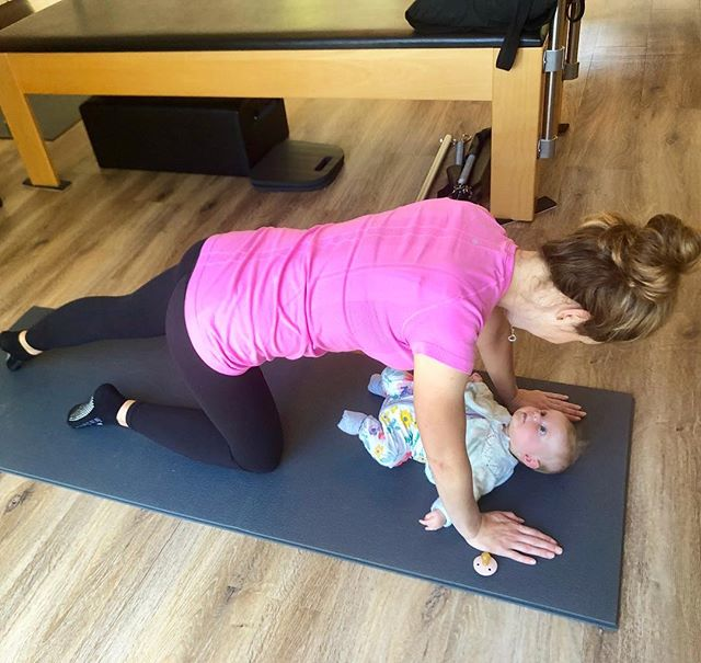 """Love a baby in the studio!!! 👼🏼 Practicing her home exercises in our  #postnatal rehab session today.  This lovely, mummy of 3 (👶👶👶!) with her newest cute little addition Lucy 💕. Very happy with her progress - becoming stronger and more connected with each passing week! 💪  Using oppositional feedback with the simplest piece of rehab equipment you could ask for - the floor! To locate the deep primary fascial slings and develop appropriate recruitment of pelvic floor muscles, trans abs and coordinated diaphragmatic breath.  Maintaining lumbo-pelvic stability without """"bracing / bearing out"""" and safely moving into the early post natal phase - encouraging continued retraction of the abdominal wall and diastasis closure.  This girl is smashing her post natal rehab!!! 💪👊 . . . #postnatalrehab #diastasisrecti #mindbody #movementrehab #mumsfitness #clinicalpilates #physiotherapy #physiotherapyexercise #postnatalpilates #amityclinicalmovementstudio #movewell #frankstonsouth #mornpenfitness"""