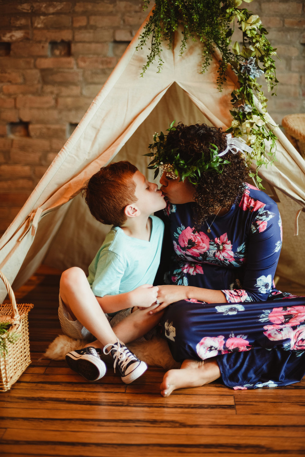 Mommy and me mothers day modern boho teepee indoor photography sessions in skaneateles syracuse auburn new york