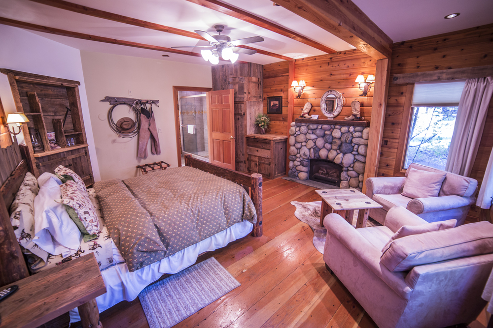 Cowboy Romance Cottage Inn Room