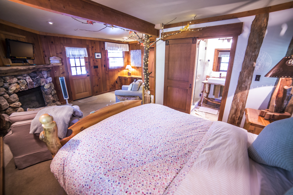 Enchanted Cottage Inn Room