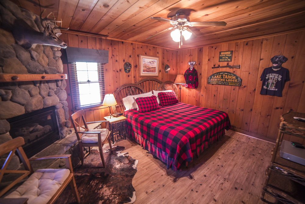 Hunter's Hideout Cottage Inn Room